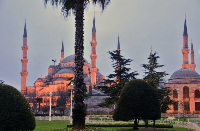 Best Istanbul Travel Tips and Top 25 Istanbul Sights