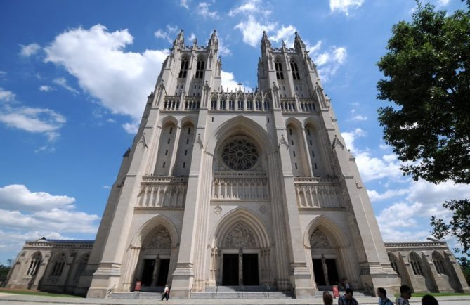 visit darth vader spotted at washington national cathedral