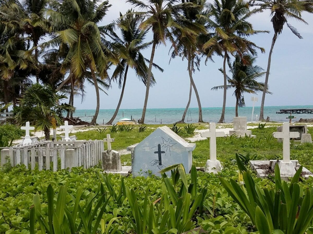 Best Caye Caulker Food And Bars And The Best Spiny Lobsters For Lunch